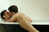 Bath kisses