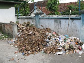 Cara Mengurangi Sampah Di Sekitar Kita