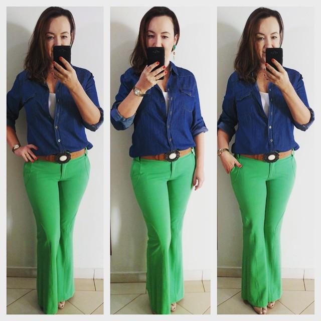 look color block, calça verde flare, camisa jeans, combinando cores, calça riachuelo, blog camila andrade, blog de moda em ribeirão preto, fashion blogger em ribeirão preto