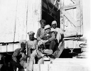 بدايه اكتشافات البترول في الجزيره العربيه 1938.jpg