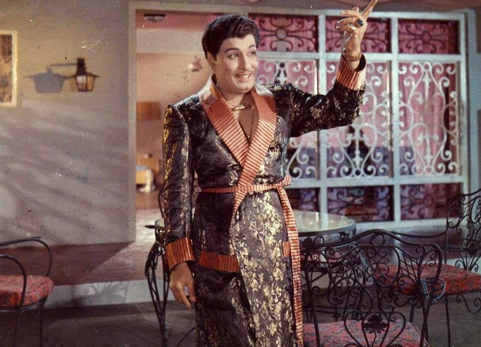 MGR in 'Engal Veetu Pillai' Movie 2