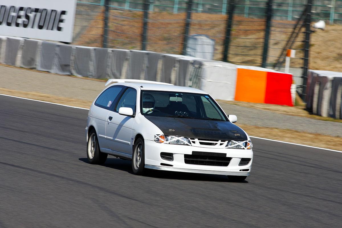 Nissan Pulsar (Almera) , japoński samochód, sportowy, wyścigi, racing, tor wyścigowy, racetrack, motoryzacja, auto, JDM, tuning, zdjęcia, pasja, adrenalina, kultowe, 自動車競技, スポーツカー, チューニングカー, 日本車