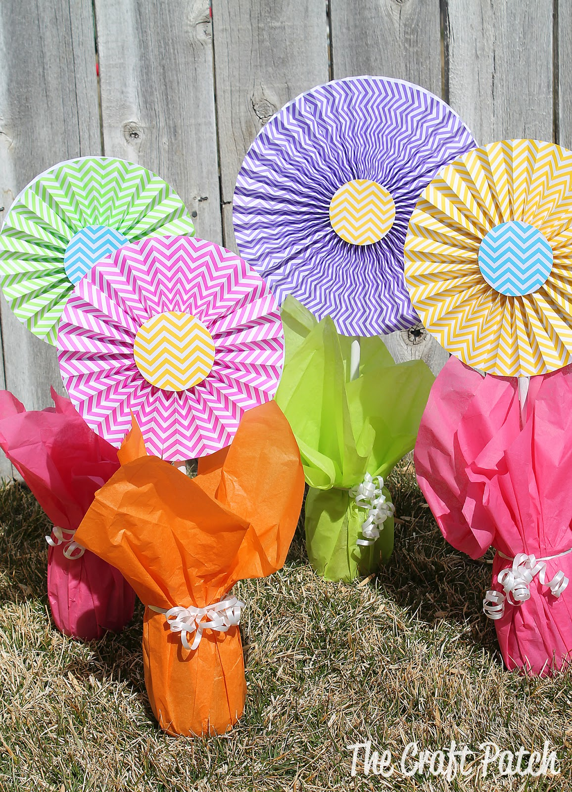 The Craft Patch Cheerful Cheap And Easy Flower Centerpieces