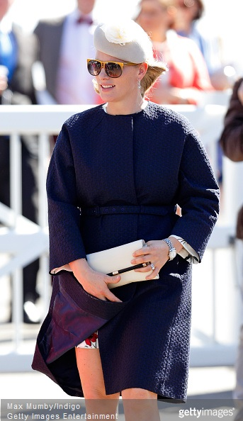 Zara Phillips Style - Zara Phillips attends day 3 'Grand National Day' of the Crabbie's Grand National Festival at Aintree Racecourse