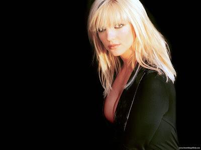 Britney Spears Full HD Wallpaper-1600x1200-02