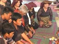 Masyarakat KARO dalam sebuah acara adat