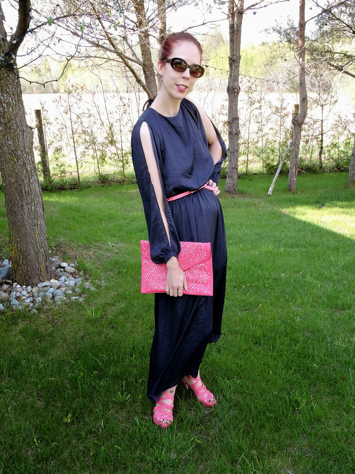 My Style: Navy Dress, Pink Belt and Shoes from H&M; Via Vieta Clutch from Winners, Fashion, Outfit, Melanie_Ps, Toronto, Ontario, Canada, Sexy Sophisticated, The Purple Scarf, deep V, trends, trend