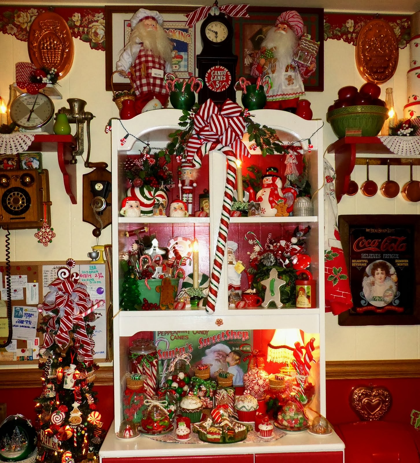 Christmas Home Tour 2013: A Candy Christmas Kitchen