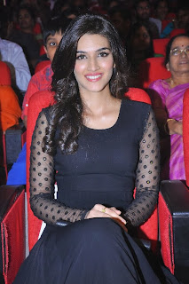 Actress Kriti Sanon Picture Gallery in Black Dress at 1 Nenokkadine Movie Audio Launch Function  0062