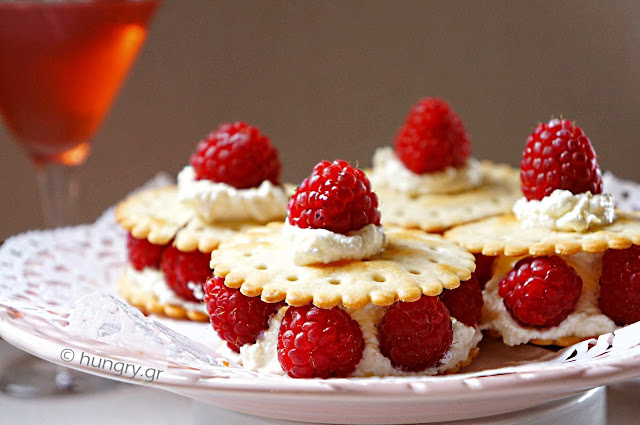 Raspberries & Cream Cheese Crackers