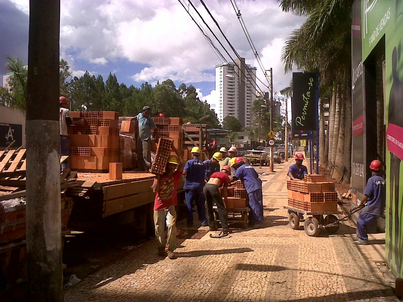 Mecanizar na construção civil é preciso! ~ LOKMAX Logística e  #AE621D 1600x1200