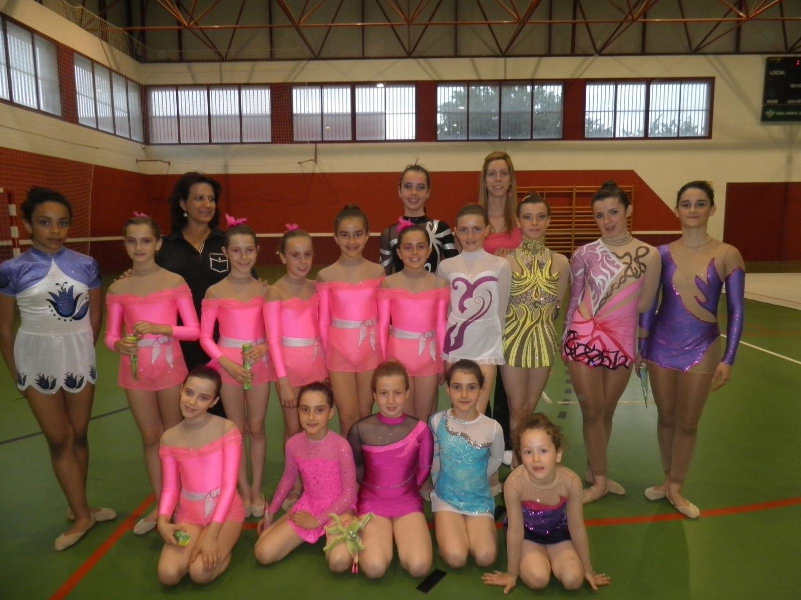 Club gimnasia ritmica de ansoain exhibici n arguedas for Club gimnasio