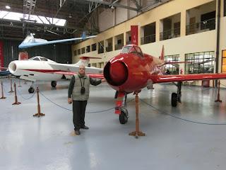 Junto a los Pulqui I y II (Museo Aeronautico Argentina)