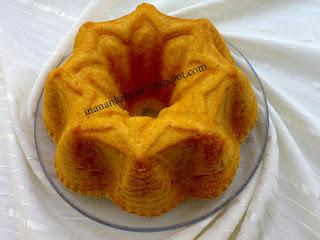 Çocuklarınızın da çok seveceği beş çayı ikramlarınızı süsleyecek olan pamuk keki isterseniz sade olarak yapabileceğiniz gibi çeşnilendiredebilirisiniz.