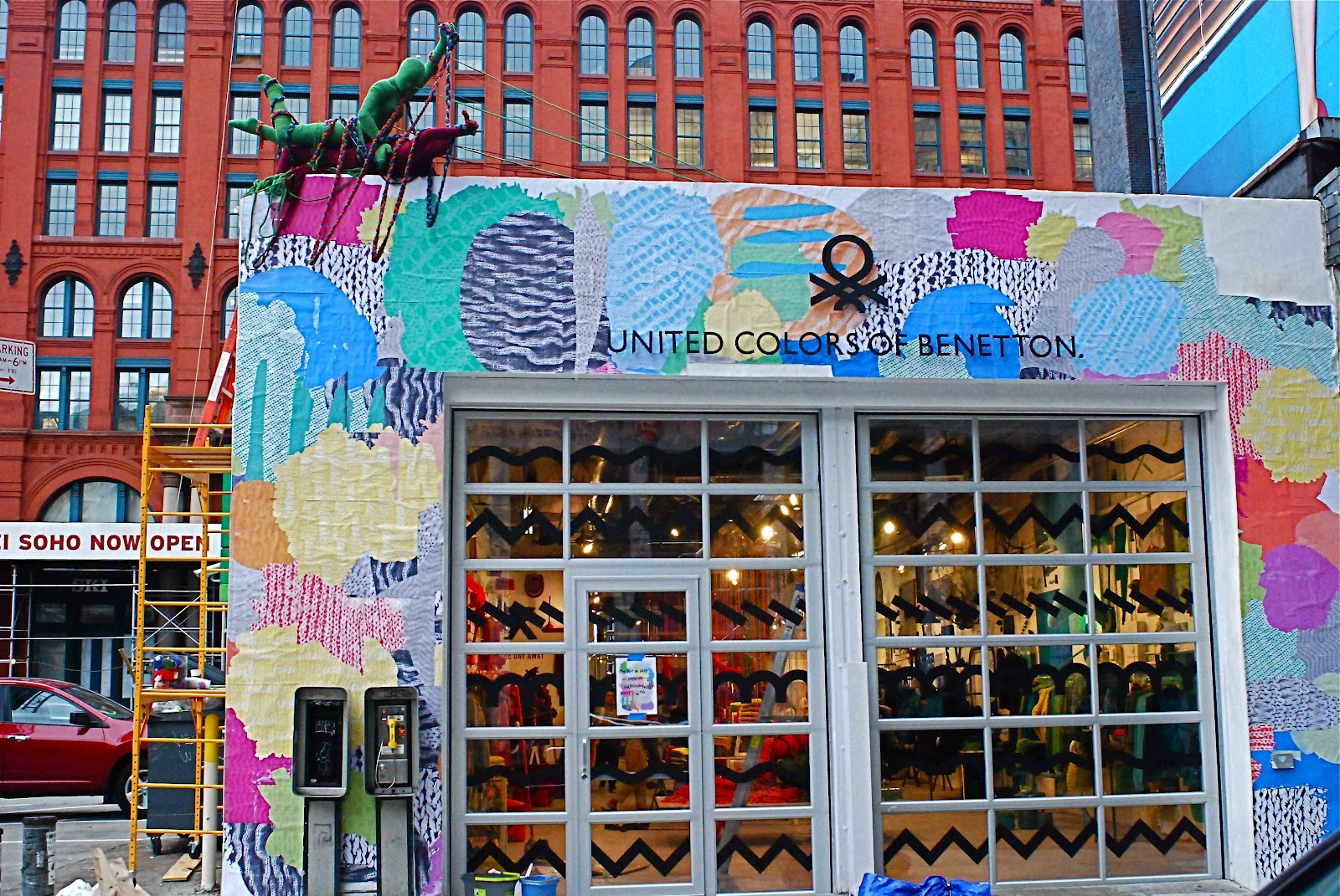 Knitting Stores Nyc : Nyc united colors of benetton pop up shop in soho