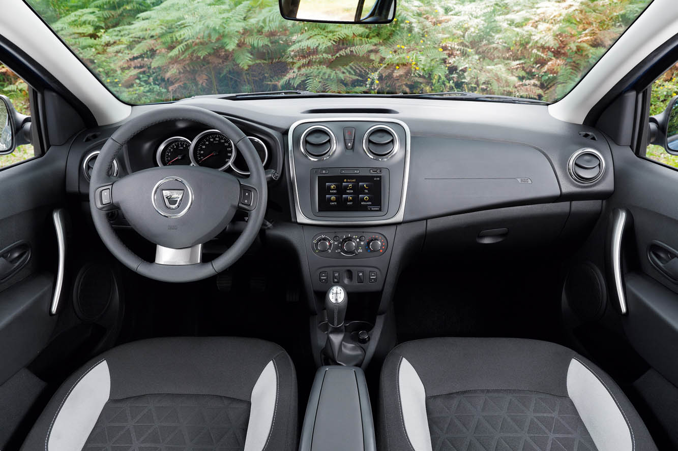 automobiles tout savoir sur les marques dacia sandero stepway. Black Bedroom Furniture Sets. Home Design Ideas