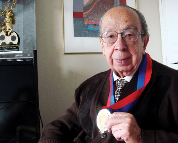 Luis Ramiro Beltrán Salmón (1930 - 2015): comunicador boliviano - Bolivia informa