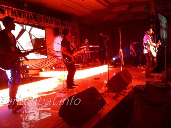 Ariel Cs di Konser Padang - Noah Band