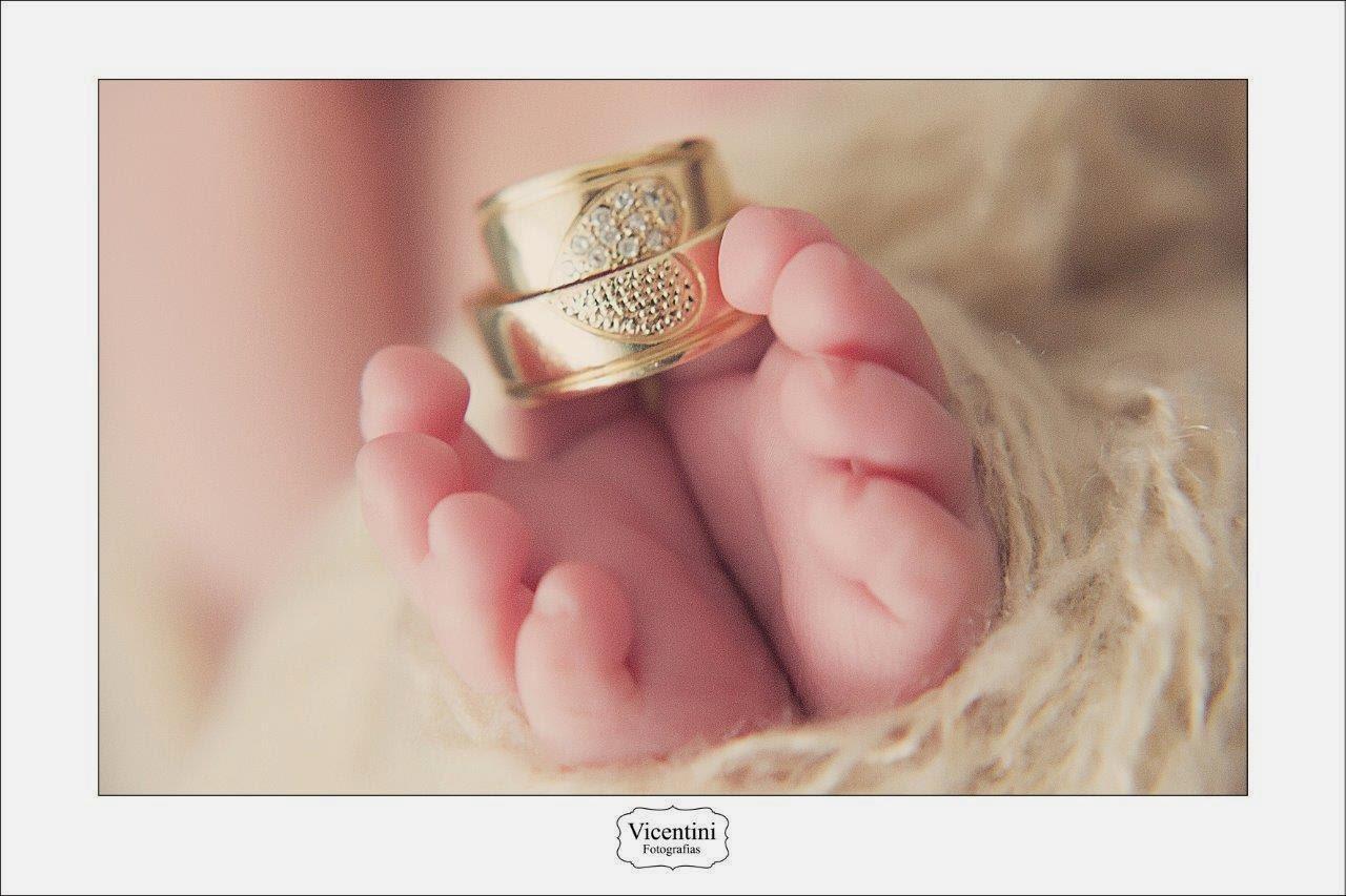 Exposição Retrata Poses De Bebês Nos Primeiros Dias De Vida