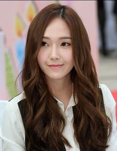 Jessica Jung Long hairstyle brown black color natural