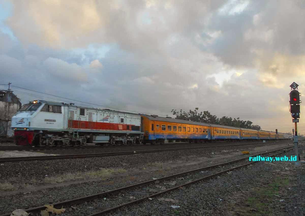 gambar kereta api pasundan