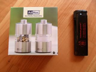 Test Pfeffer- und Salzmühle Minimill AdHoc Produkttest Geschenkeshop kaufen günstig Feuerzeug