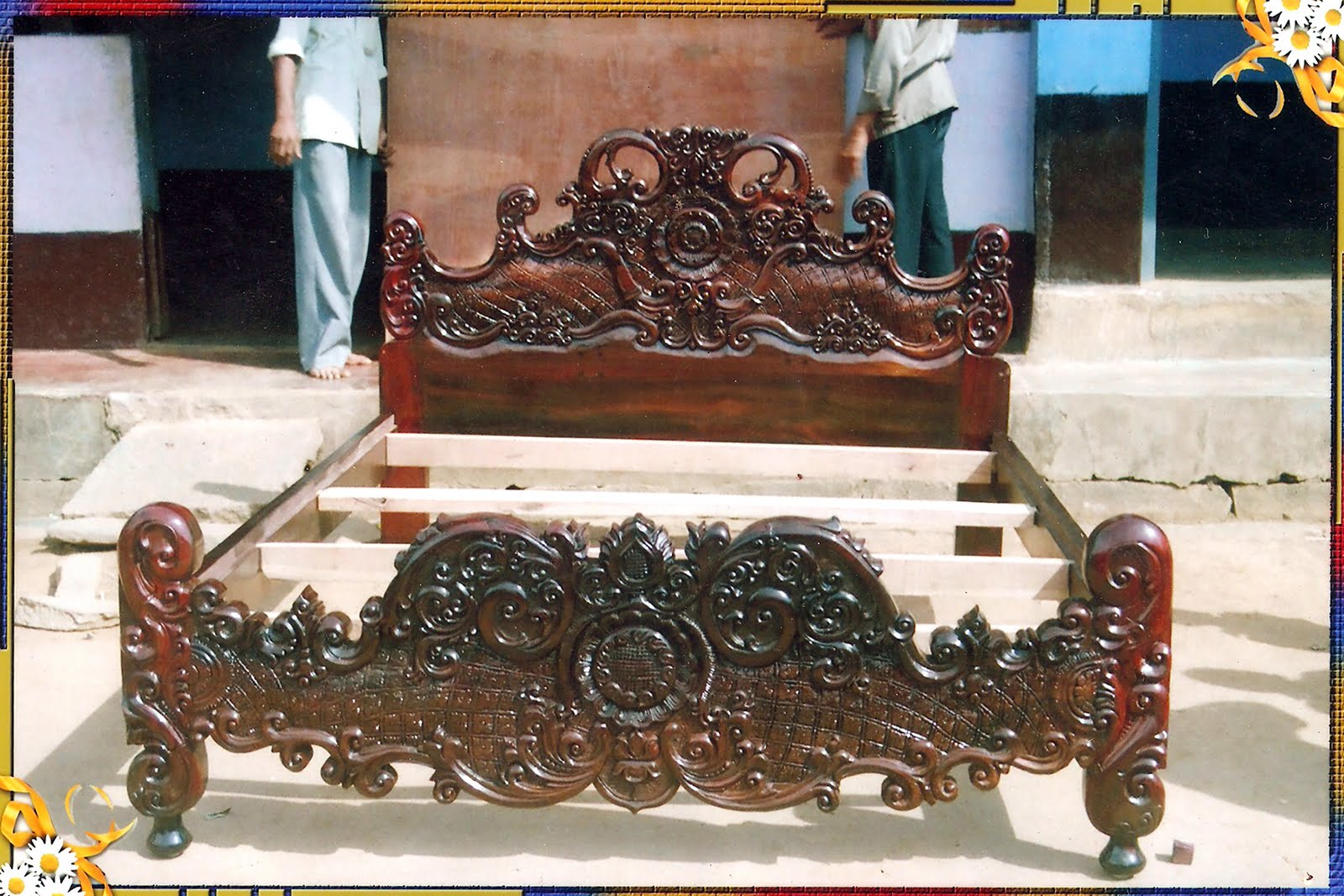 Shehan Furnitures Antique Double Maharaja Cot