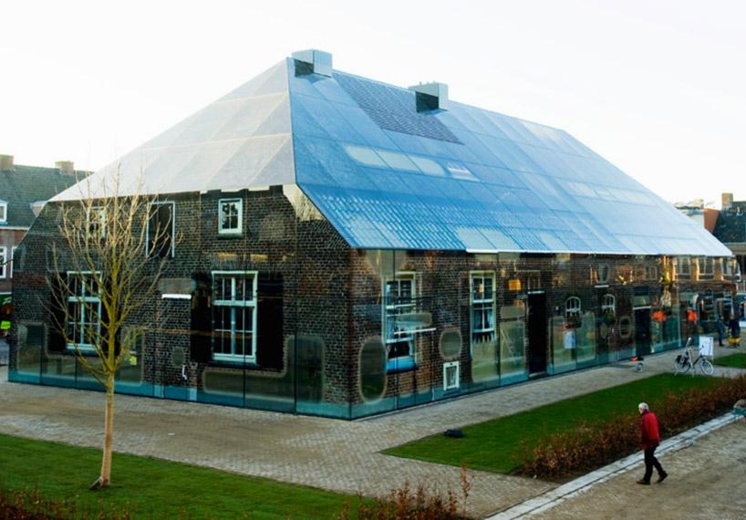 Die wohngalerie verr ckte glaswelt in schijndel oder wie for Modernes bauernhaus
