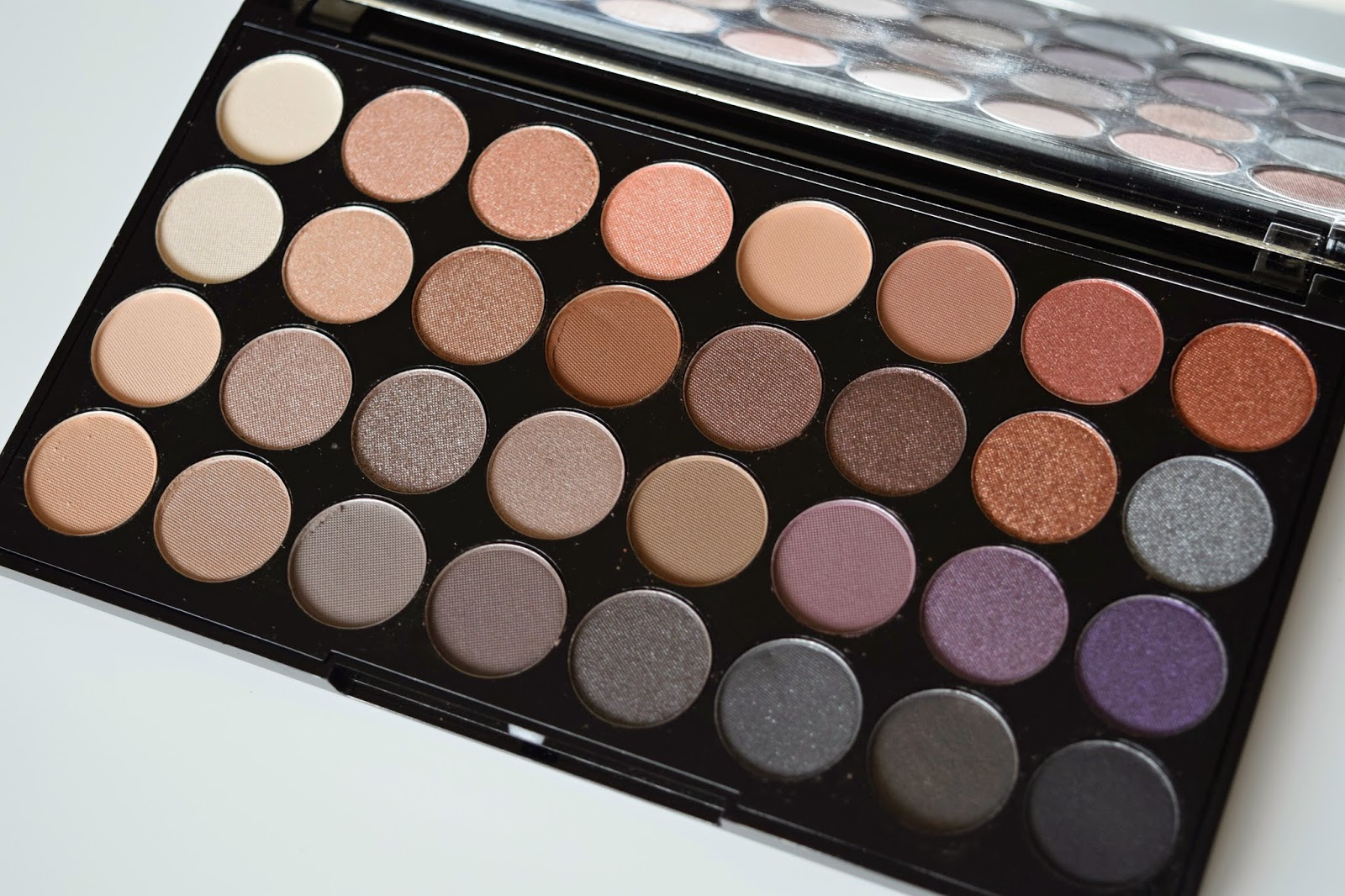 makeup revolution new release the 39 affirmation 39 32 shade. Black Bedroom Furniture Sets. Home Design Ideas