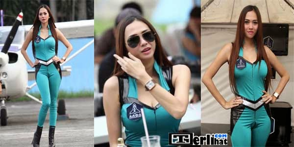 Foto Hot Artis Aura Kasih Di Axe Apollo Space Academy