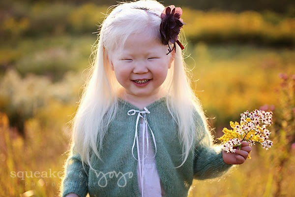 Wildflower photoshoot girl with flowers photographer Ontario