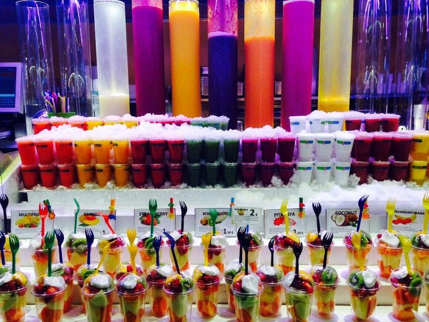 la boqueria mercado europeo frutas  verduras exotico magica barcelona dulces restaurantes merienda