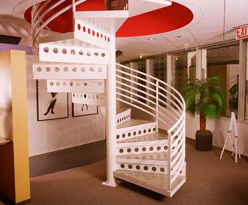 The Design Of The Stairs Is Important Functional Home Design ...