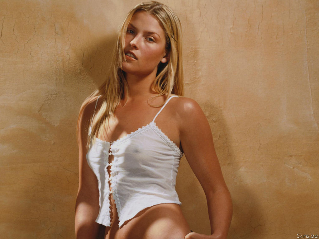 Ali Larter wallpaper