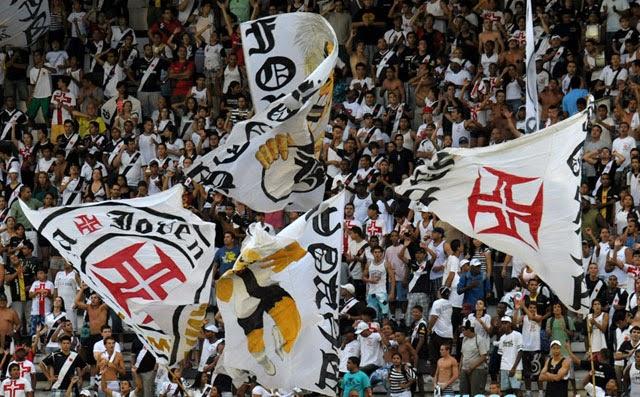 Pacote para jogo de futebol no Rio - Torcida do Vasco na arquibancada