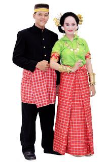 Pakaian Adat dari Sulawesi: Sulawesi Barat,Sulawesi Utara,Sulawesi ...
