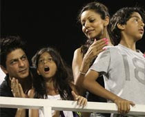 Shah Rukh Khan, Farhan Akhtar, Karan Johar, Hrithik and Suzzanne, Bollywood, Bollywood actor, Bollywood actress, Bollywood News