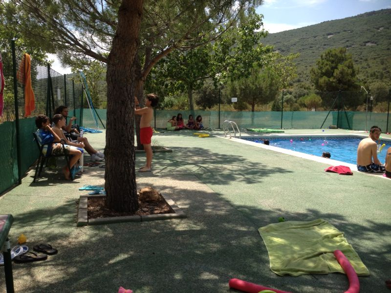 Campamentos de verano ayuntamiento de getafe 2013 dehesa for Piscina dehesa boyal