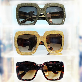 Gucci Oversize square-frame rhinestone sunglasses