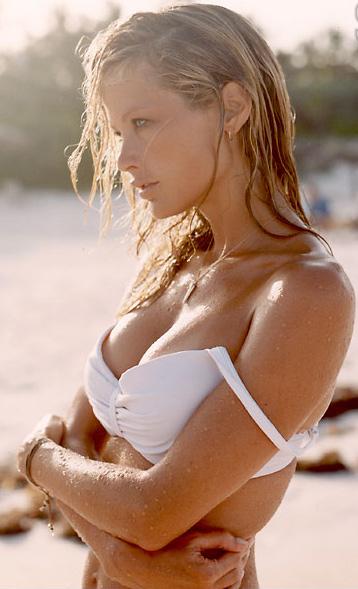 American Top Model Carolyn Murphy photo gallery cleavage
