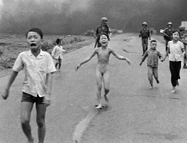 GUERRA DE VIETNAM (08/03/1965 - 30/04/1975) LA NIÑA PHAN THị KIM PHÚC (08/06/1972)