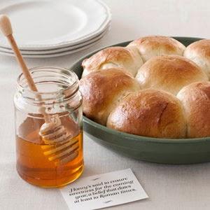 http://www.countryliving.com/recipefinder/honey-dinner-rolls-recipe-clx1211