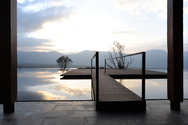 Zen Water House Design China Combines The Use Of Natural Materials With Simplicity Forms Stone And Wood Are Designed To Create A Meditative