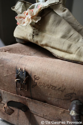 An old suitcase with old-fashioned color