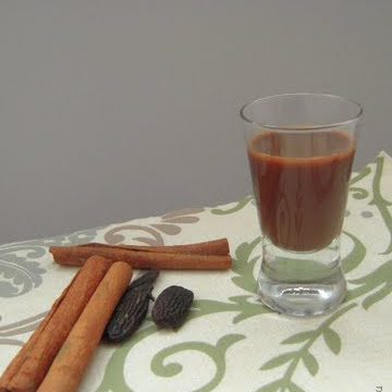 Świąteczny likier czekoladowo-piernikowy - Czytaj więcej »