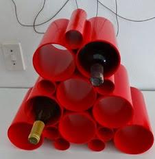 http://translate.googleusercontent.com/translate_c?depth=1&hl=es&rurl=translate.google.es&sl=en&tl=es&u=http://www.instructables.com/id/Easy-PVC-pipe-wine-rack/&usg=ALkJrhhncHKPid3BrWtqKbC4tIlHrd_BdQ