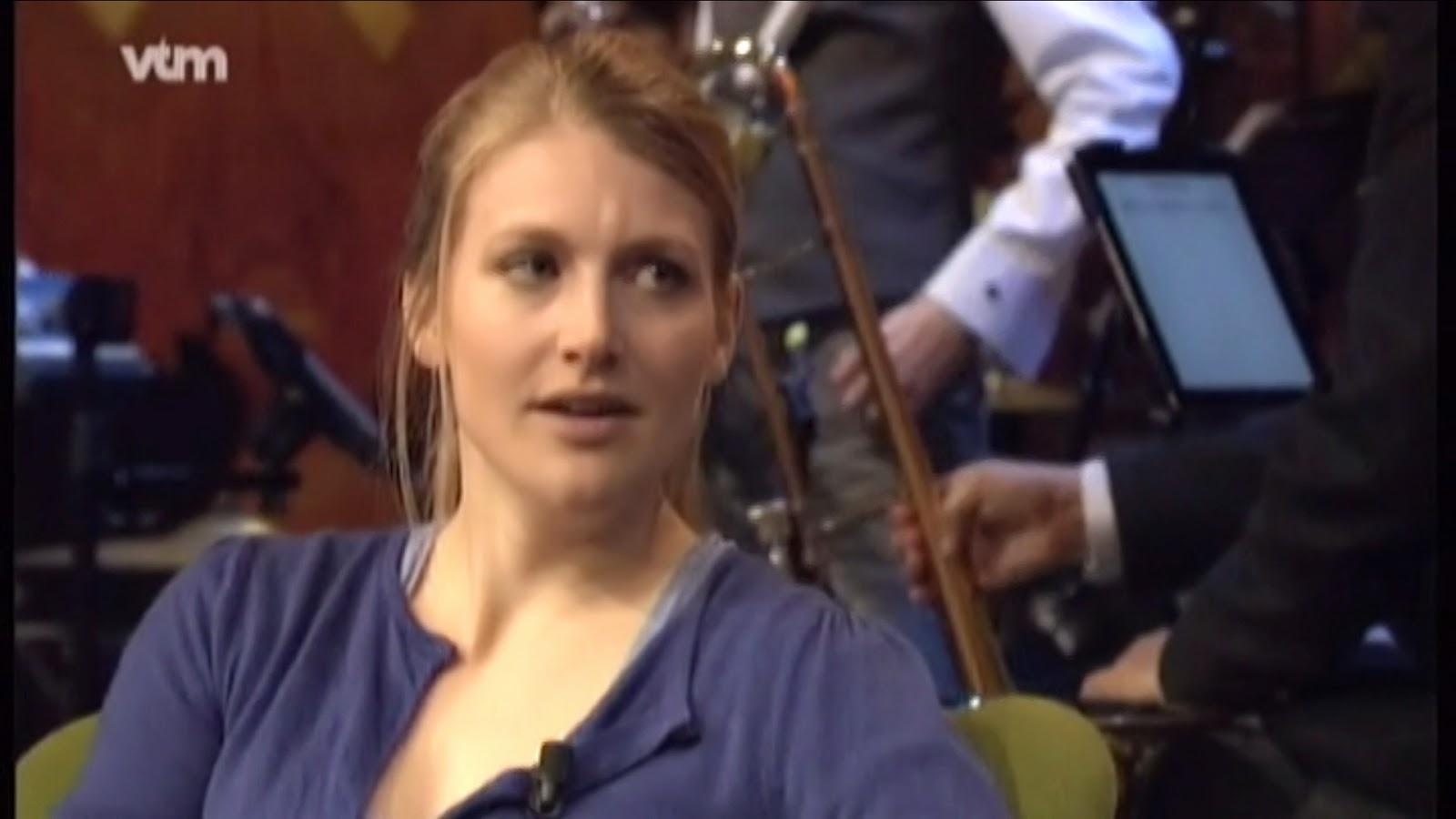 Boezem Charlotte Vandermeersch haalt ook Nederlandse tv