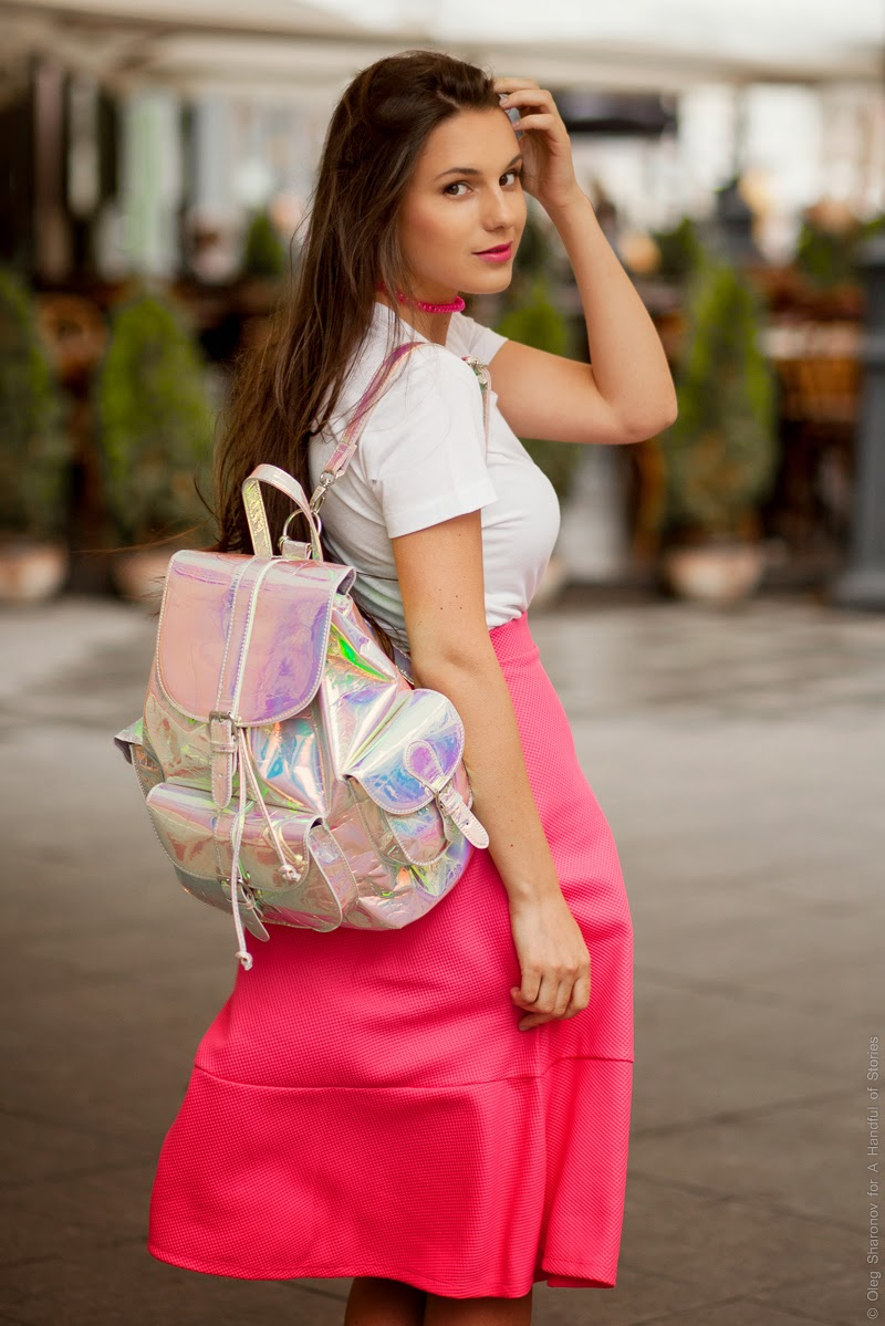 hologram backpack, pink midi skirt, pink cord choker, outfit