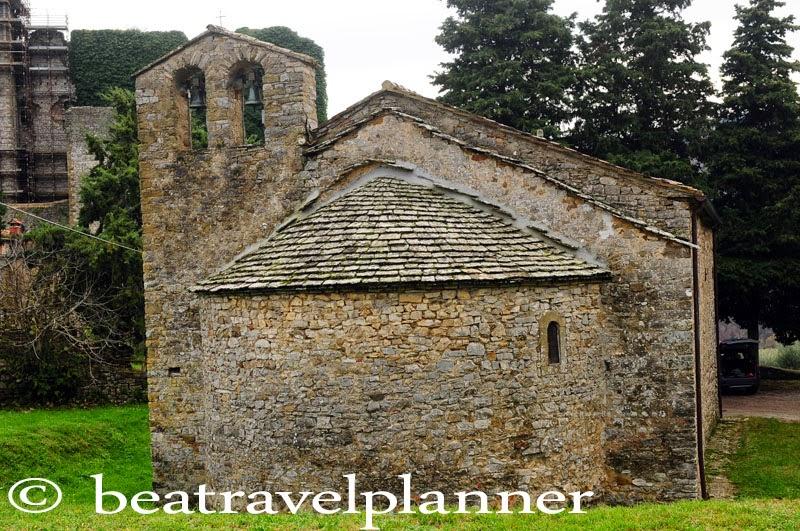 Il retro della chiesa
