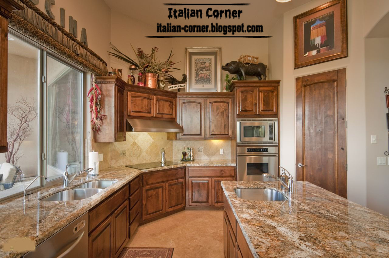 Classic italian wooden kitchen cabinets designs for Italian kitchen pics